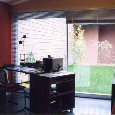 maison-architecte-construite-pente-pilotis-12