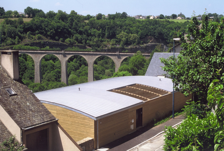 maison-architecte-construite-pente-pilotis-7