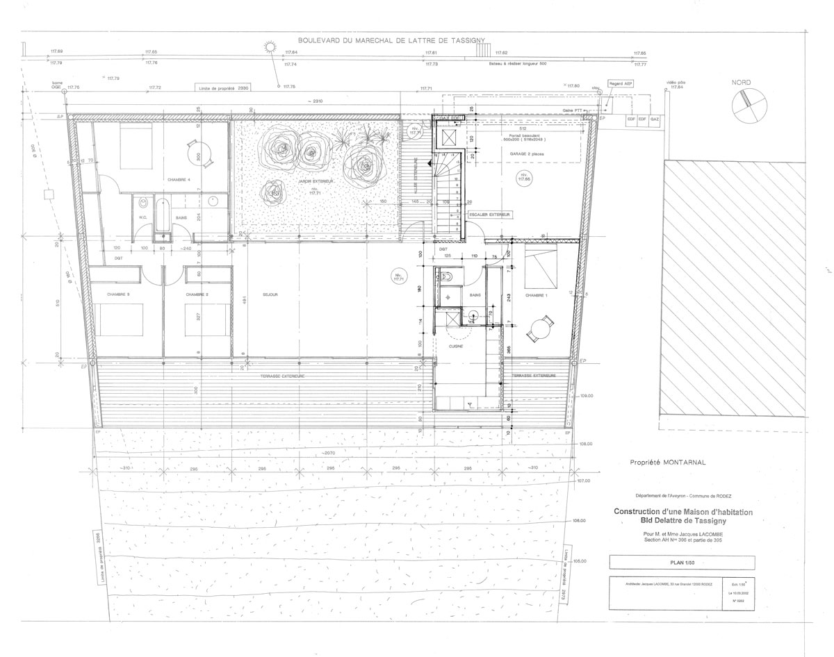 Plan maison en pente architecture maison moderne for Plan architecte maison