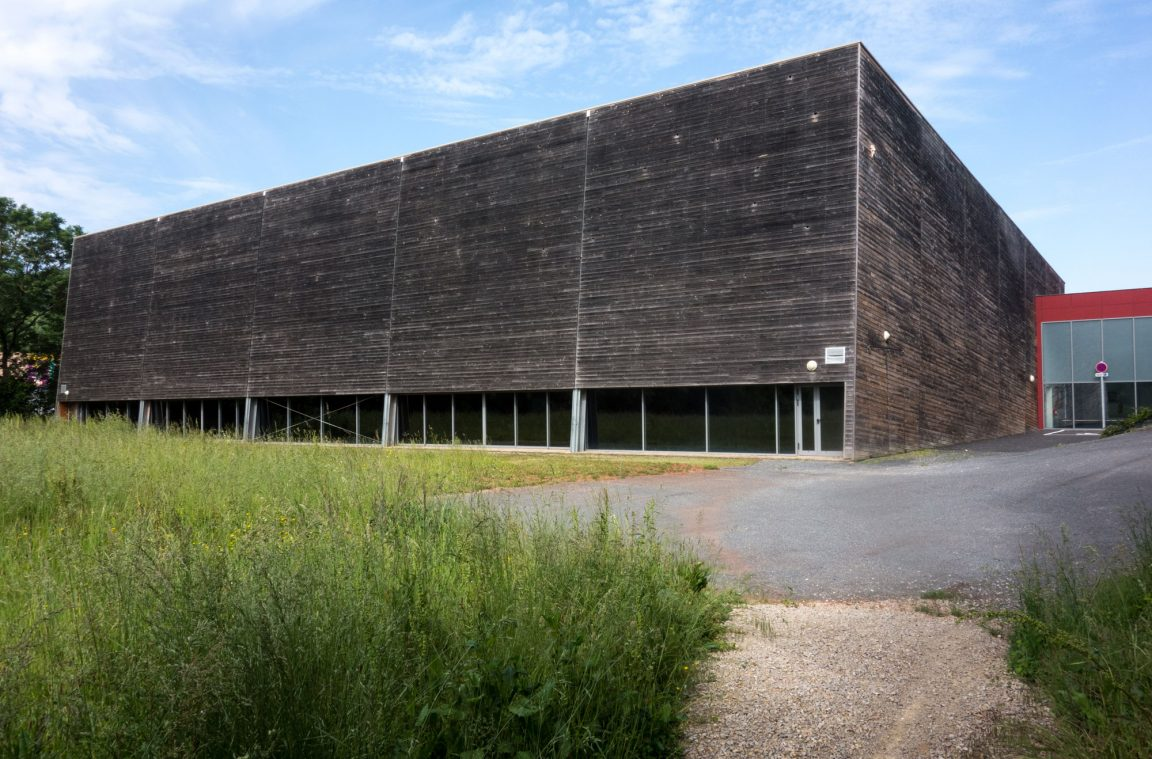 prairie-complexe-sportif-architecture-aveyron