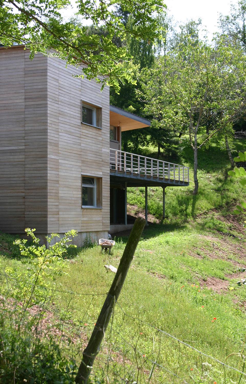 une maison dans les arbres architecture aveyron. Black Bedroom Furniture Sets. Home Design Ideas