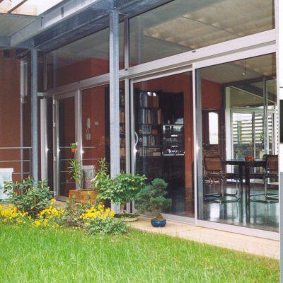 maison-architecte-construite-pente-pilotis-14