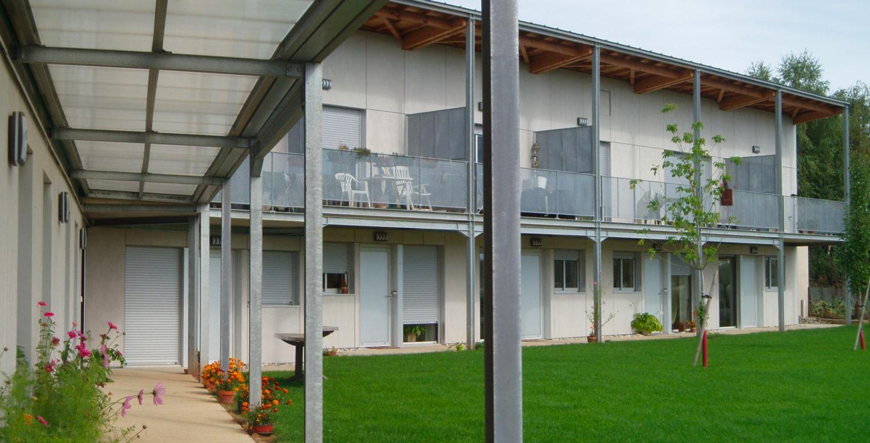 Réhabilitation de l'ancien couvent de Frons, création de studios et salles de vie.